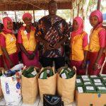 Scholen in Banjul krijgen initatiepaketten
